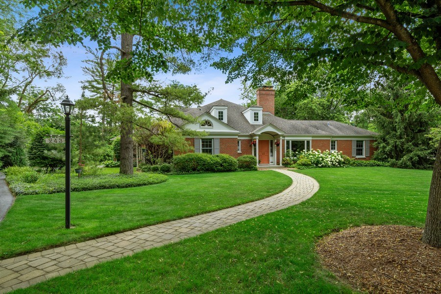 Real Estate Photography - 243 Linden Road, Barrington, IL, 60010 - Front View
