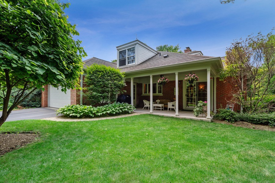 Real Estate Photography - 243 Linden Road, Barrington, IL, 60010 - Side View