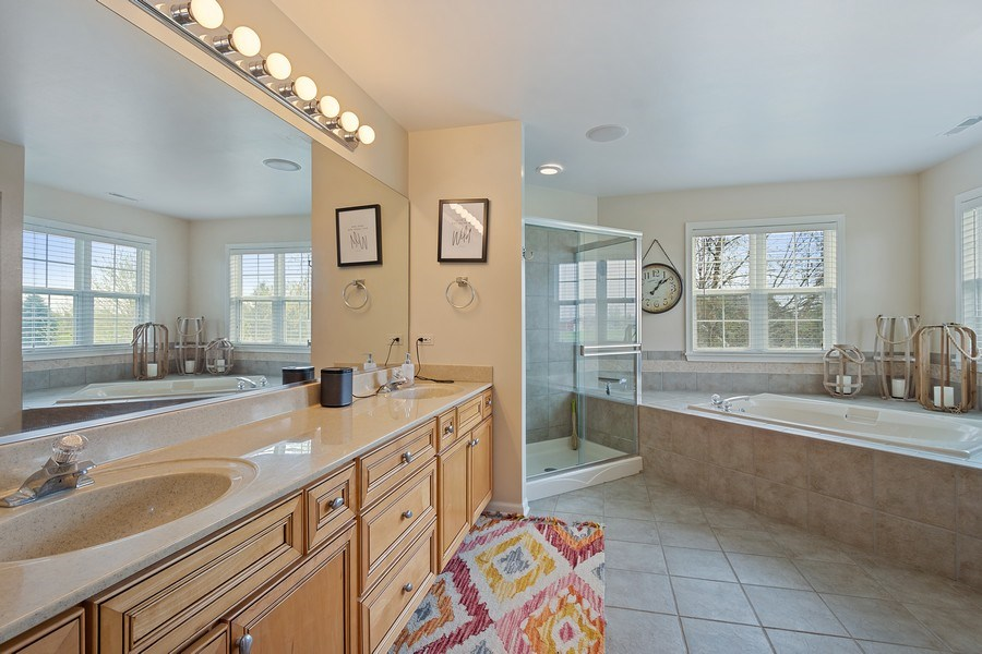 Real Estate Photography - 508 Pond Gate Drive, Barrington Hills, IL, 60010 - Master Bathroom