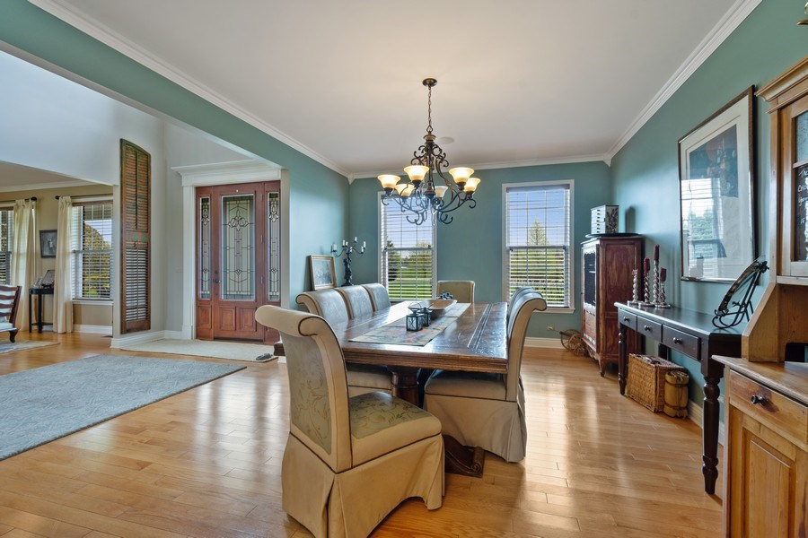 Real Estate Photography - 508 Pond Gate Drive, Barrington Hills, IL, 60010 - Dining Room