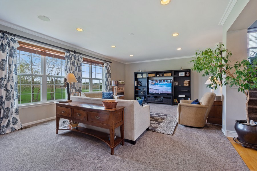 Real Estate Photography - 508 Pond Gate Drive, Barrington Hills, IL, 60010 - Family Room