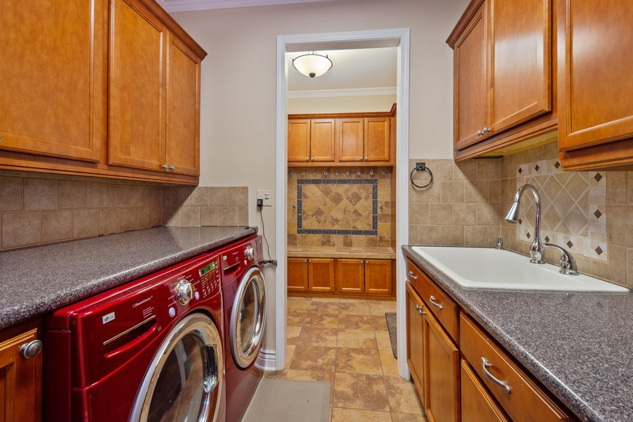 Real Estate Photography - 508 Pond Gate Drive, Barrington Hills, IL, 60010 - Laundry Room