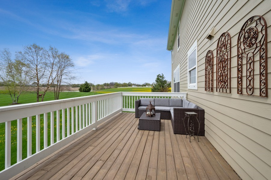 Real Estate Photography - 508 Pond Gate Drive, Barrington Hills, IL, 60010 - Deck