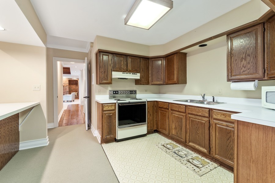 Real Estate Photography - 90 Hawthrone Rd., Barrington Hills, IL, 60010 - Kitchen - Office/Guest Suite (lower level)