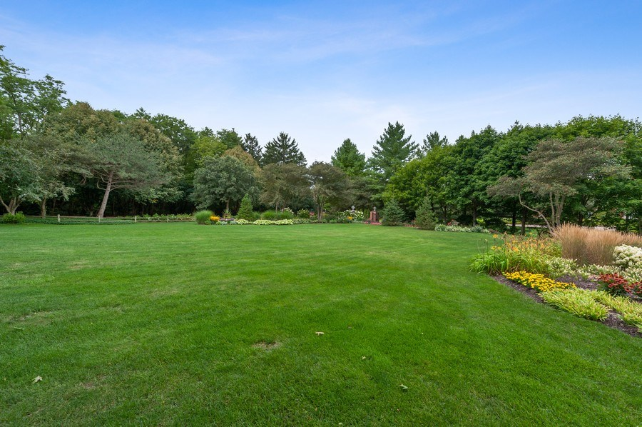 Real Estate Photography - 90 Hawthrone Rd., Barrington Hills, IL, 60010 - Front yard
