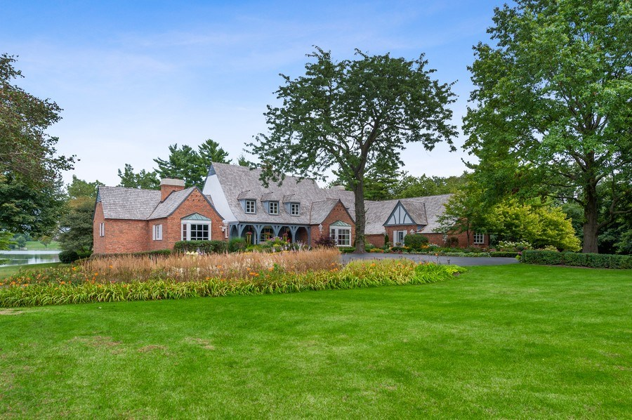 Real Estate Photography - 90 Hawthrone Rd., Barrington Hills, IL, 60010 - Front View