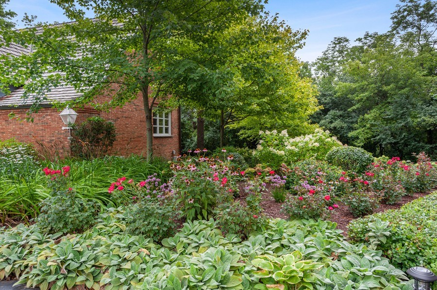 Real Estate Photography - 90 Hawthrone Rd., Barrington Hills, IL, 60010 - Gardens