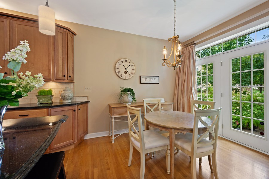 Real Estate Photography - 600 Stone Canyone Circle, Inverness, IL, 60010 - Breakfast Area