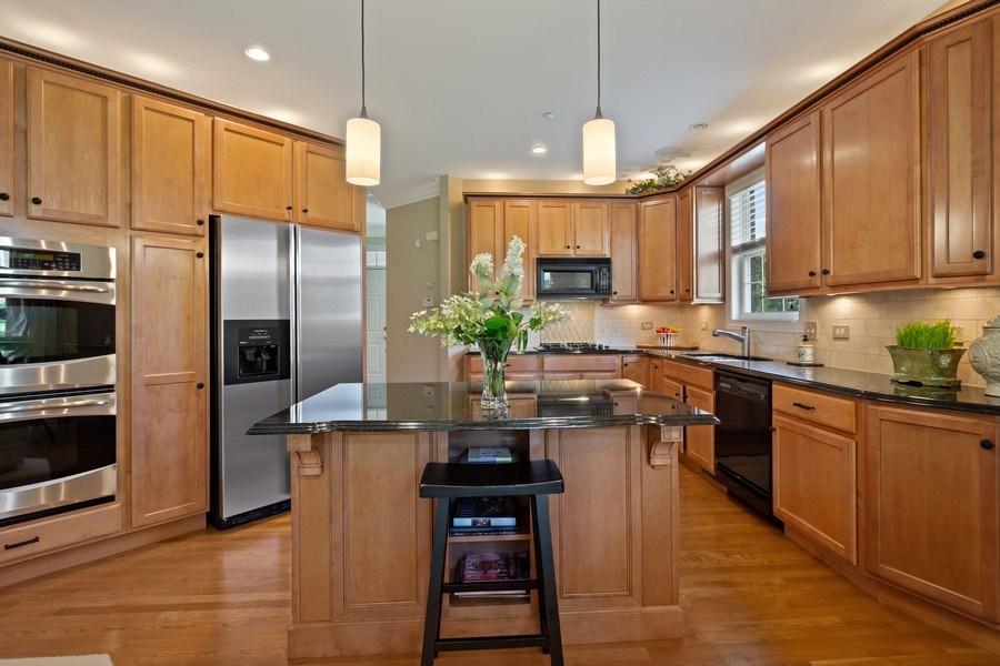 Real Estate Photography - 600 Stone Canyone Circle, Inverness, IL, 60010 - Kitchen