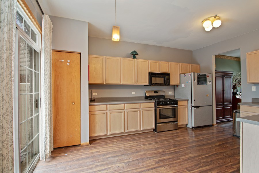 Real Estate Photography - 18526 Dearborn Court, Tinley Park, IL, 60477 - Kitchen / Breakfast Room