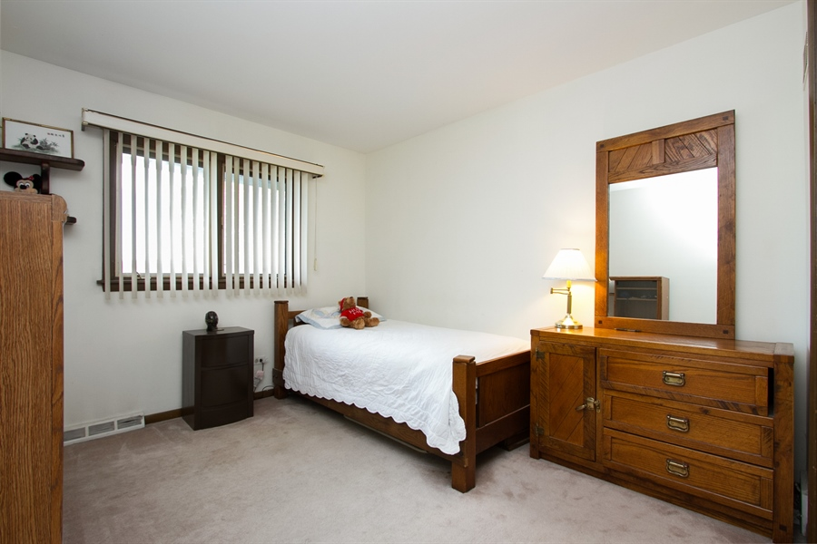 Real Estate Photography - 1160 East 173rd Place, South Holland, IL, 60473 - 2nd Bedroom