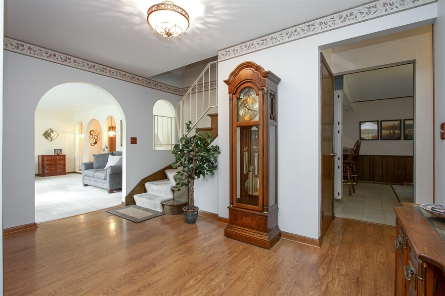 Real Estate Photography - 1160 East 173rd Place, South Holland, IL, 60473 - Foyer