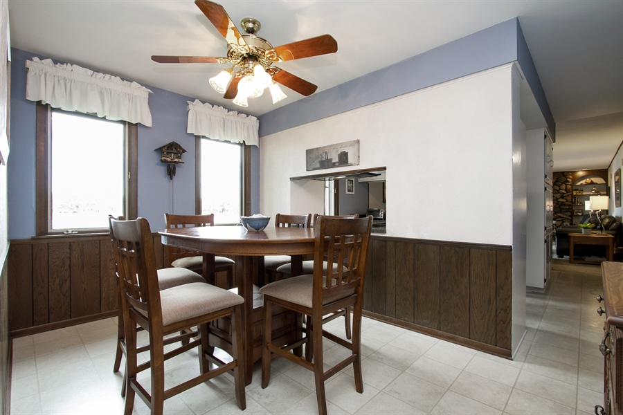 Real Estate Photography - 1160 East 173rd Place, South Holland, IL, 60473 - Breakfast Area