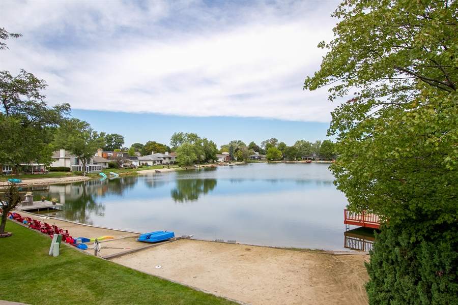 Real Estate Photography - 1160 East 173rd Place, South Holland, IL, 60473 - Lake View