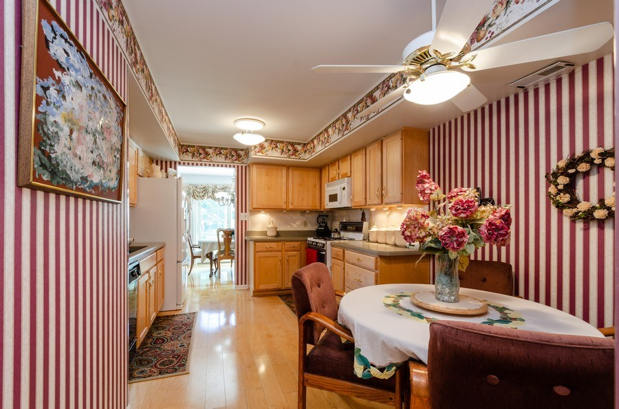 Real Estate Photography - 11355 Ventura Dr, St. John, IN, 46373 - Kitchen