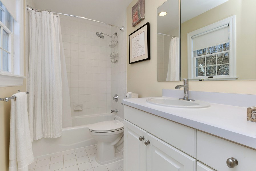 Real Estate Photography - 21 Admiral Wordens Lane, Briarcliff Manor, NY, 10510 - Private Bathroom in Bedroom #4
