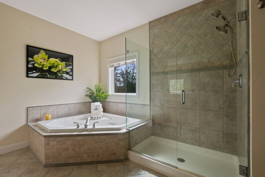 Real Estate Photography - 1B Summerland Lane, Briarcliff Manor, NY, 10510 - Master Bathroom