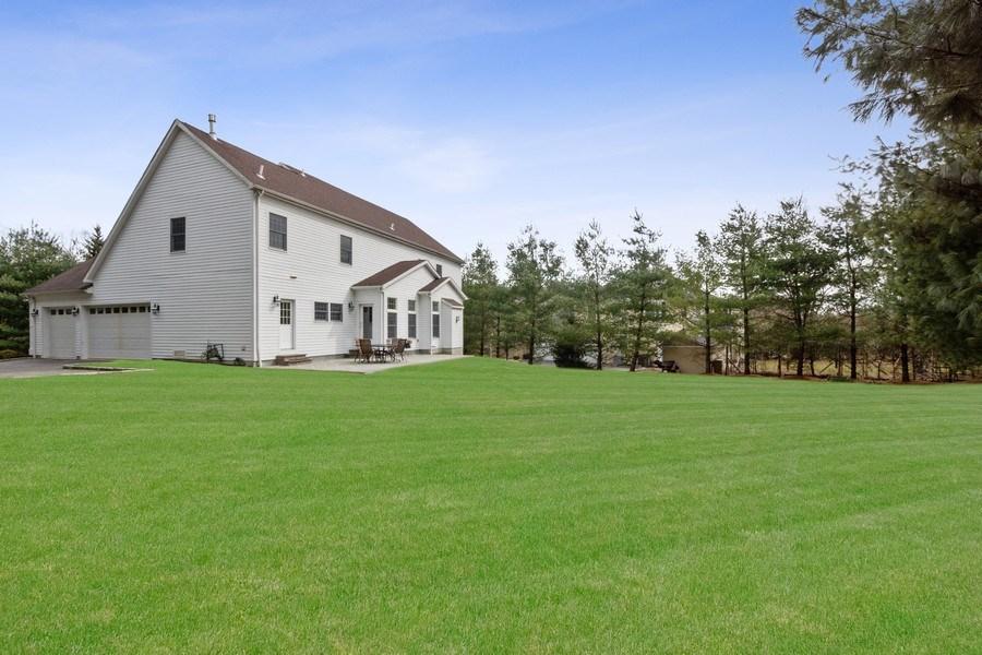 Real Estate Photography - 1B Summerland Lane, Briarcliff Manor, NY, 10510 - Back Yard