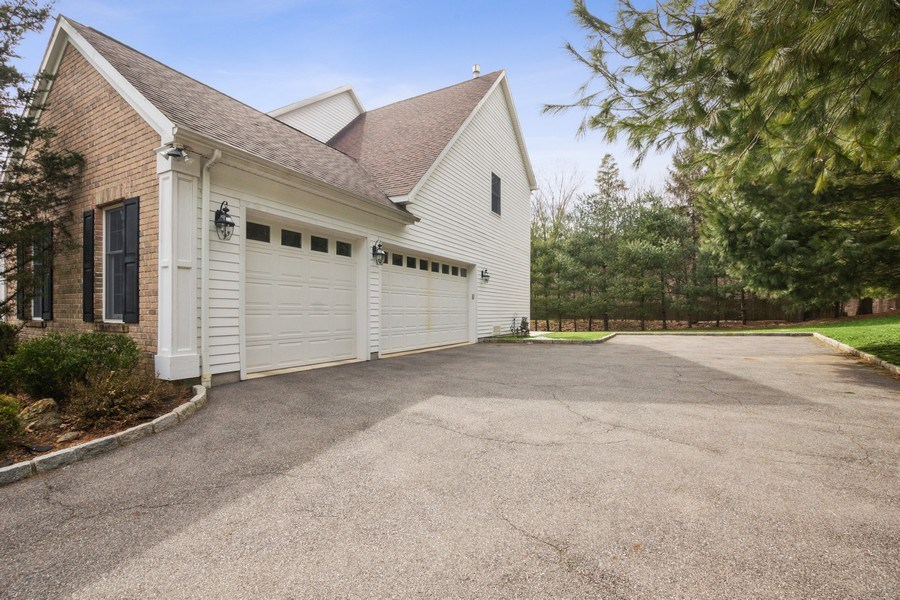 Real Estate Photography - 1B Summerland Lane, Briarcliff Manor, NY, 10510 - Garage