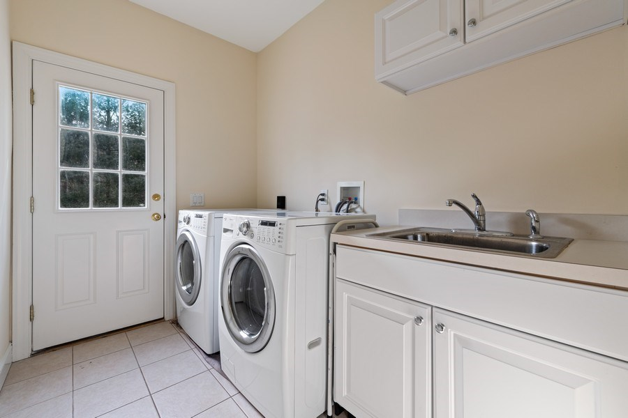 Real Estate Photography - 1B Summerland Lane, Briarcliff Manor, NY, 10510 - Laundry Room