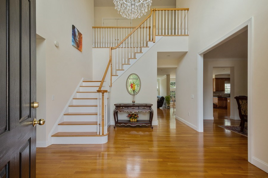 Real Estate Photography - 1B Summerland Lane, Briarcliff Manor, NY, 10510 - Entryway