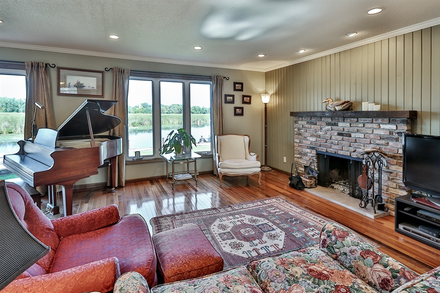 Real Estate Photography - 5474, Mound, MN, 55364 - Living Room