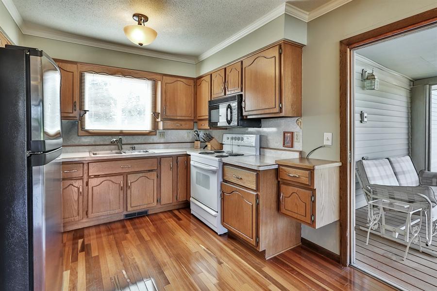 Real Estate Photography - 5474, Mound, MN, 55364 - Kitchen