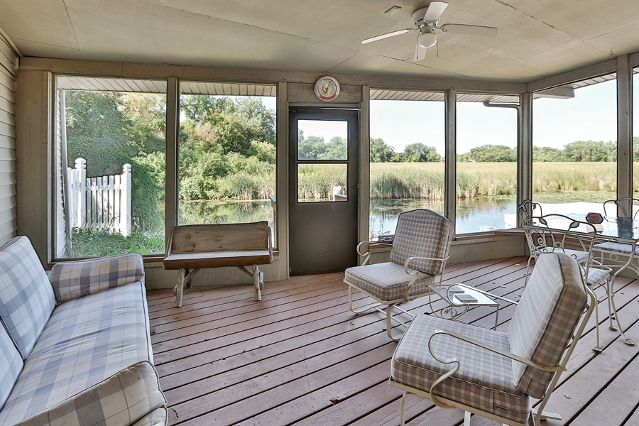 Real Estate Photography - 5474, Mound, MN, 55364 - Porch