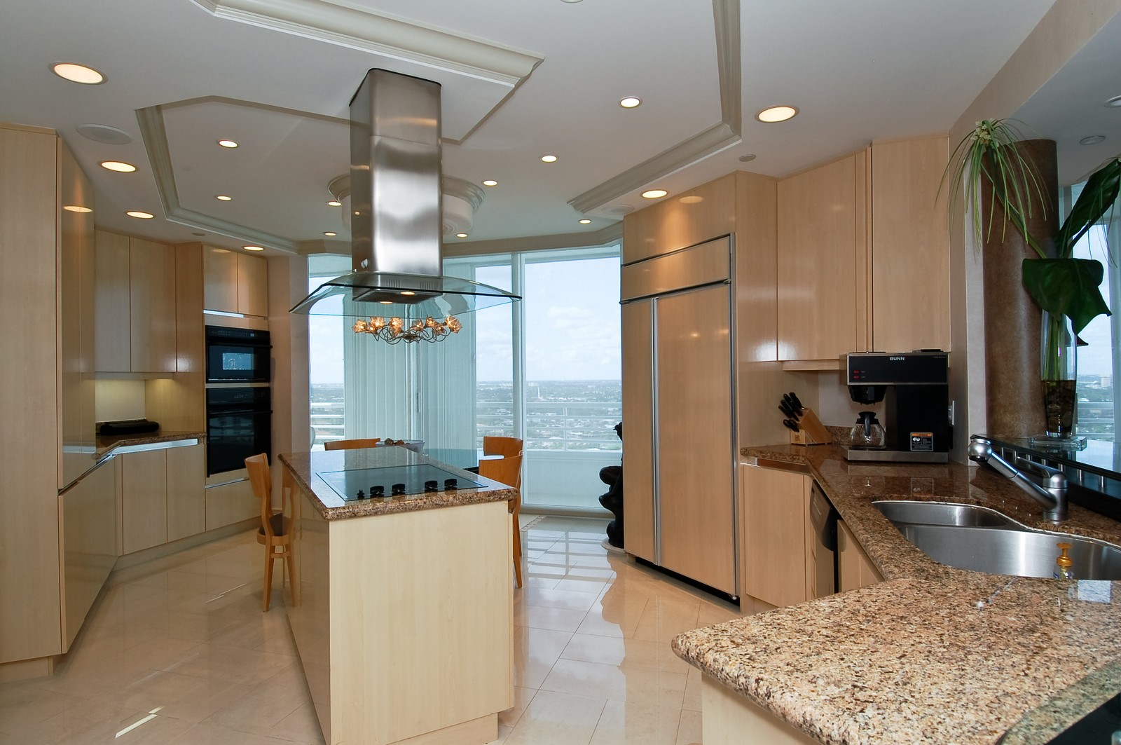 Real Estate Photography - 1700 S Ocean Blvd, 22C, Lauderdale by the Sea, FL, 33062 - Kitchen