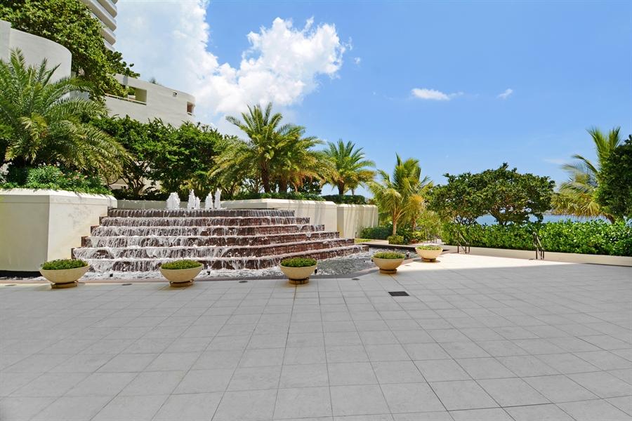 Real Estate Photography - 2800 Island Blvd, Unit 2903, Aventura, FL, 33160 - Location 1