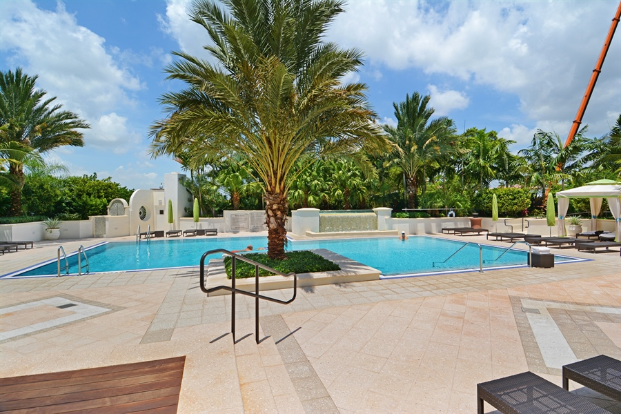 Real Estate Photography - 2800 Island Blvd, Unit 2903, Aventura, FL, 33160 - Pool