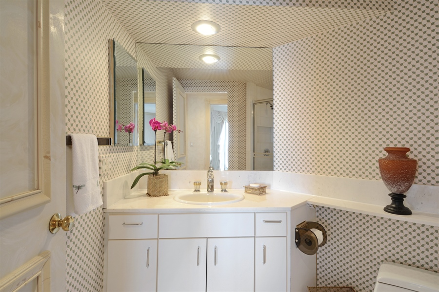 Real Estate Photography - 2800 Island Blvd, Unit 2903, Aventura, FL, 33160 - Bathroom
