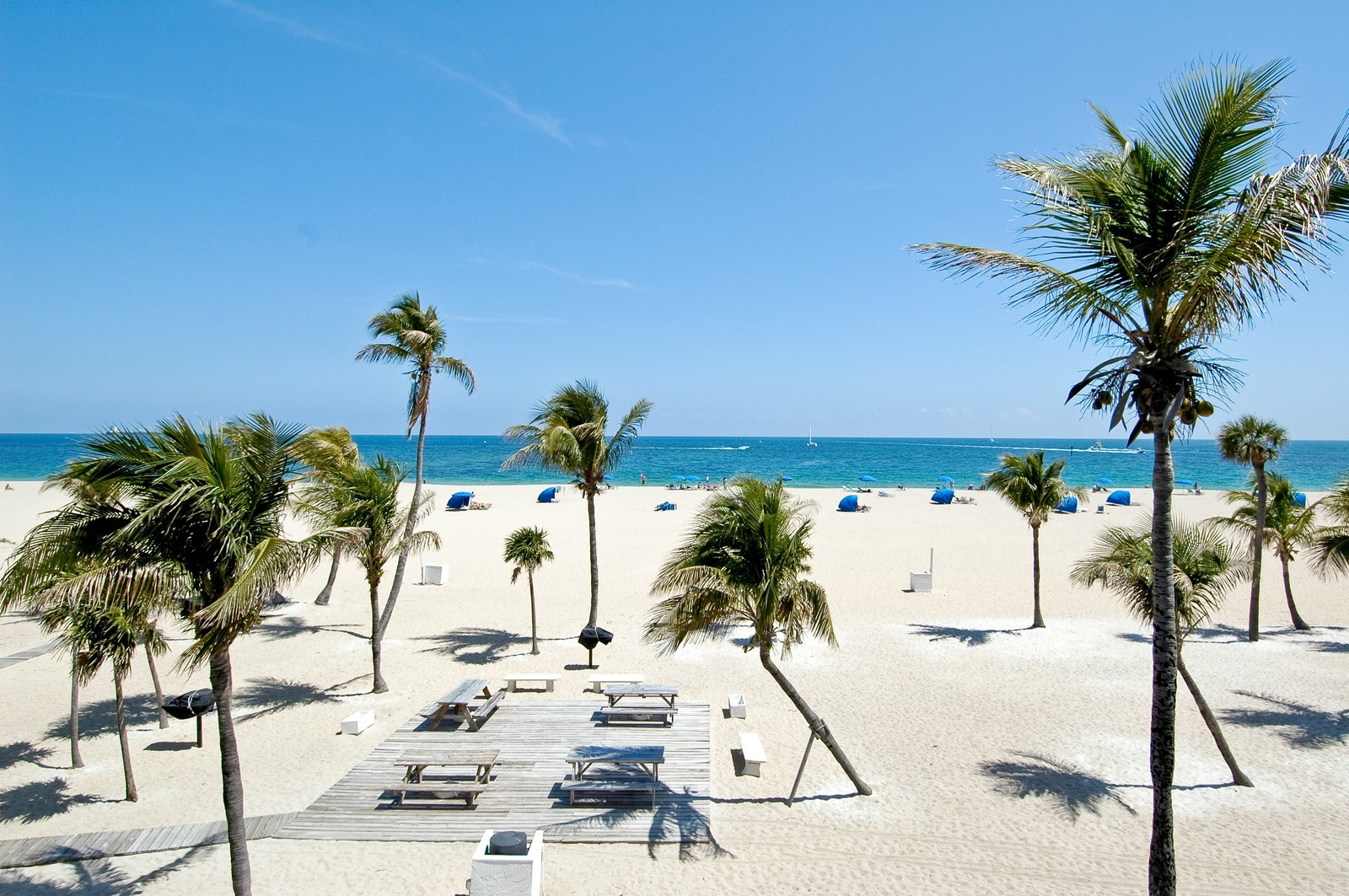 Real Estate Photography - 2200 S Ocean Ln, 206, Fort Lauderdale, FL, 33316 - Beach