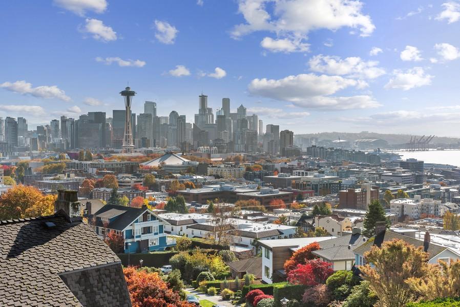 Real Estate Photography - 604 W Kinnear ST UPPER, Seattle, WA, 98119 - City View