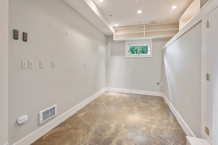 Real Estate Photography - 604 W Kinnear ST UPPER, Seattle, WA, 98119 - 3rd Bedroom
