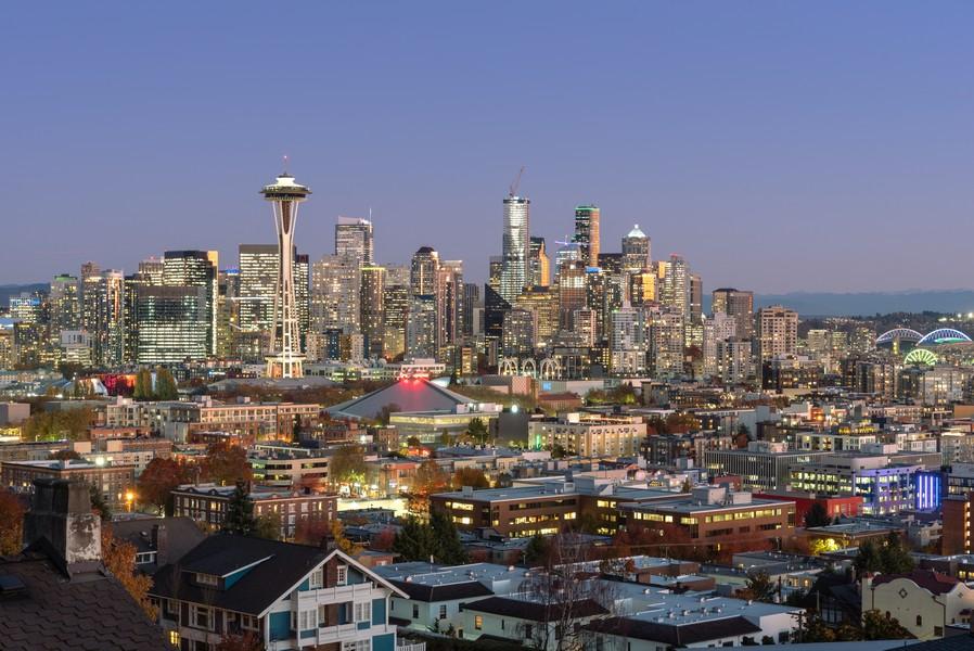 Real Estate Photography - 604 W Kinnear ST UPPER, Seattle, WA, 98119 -