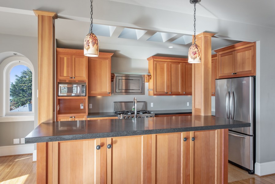 Real Estate Photography - 604 W Kinnear ST UPPER, Seattle, WA, 98119 - Kitchen