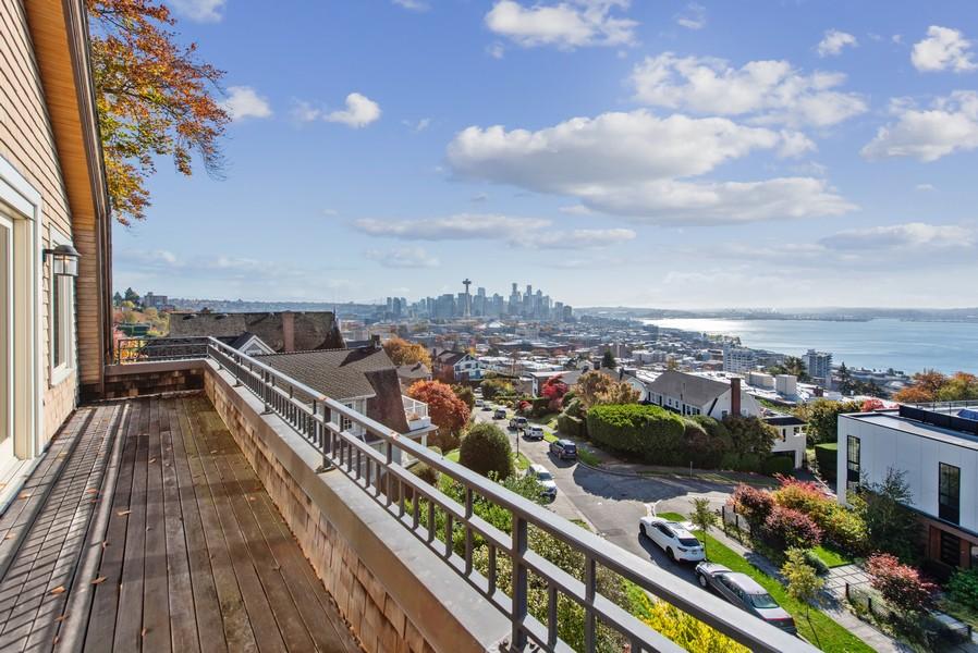 Real Estate Photography - 604 W Kinnear ST UPPER, Seattle, WA, 98119 - Deck