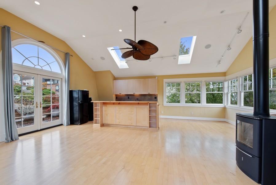 Real Estate Photography - 604 W Kinnear ST UPPER, Seattle, WA, 98119 - Kitchen / Living Room