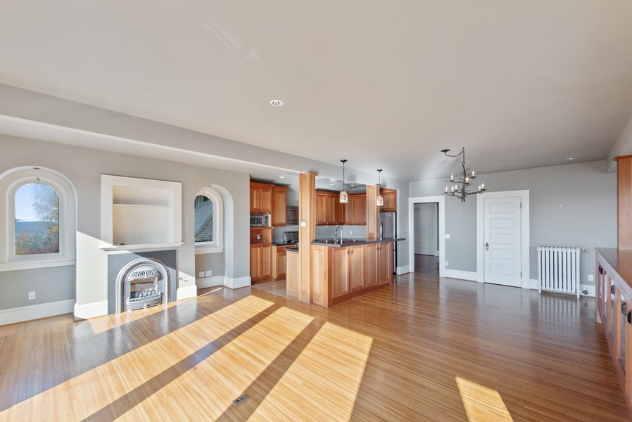 Real Estate Photography - 604 W Kinnear ST UPPER, Seattle, WA, 98119 - Kitchen / Dining Room