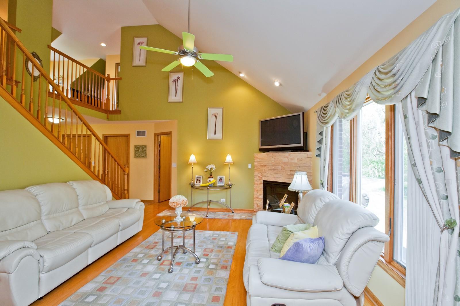 Real Estate Photography - 6617 Natasha Ct, Countryside, IL, 60525 - Living Room