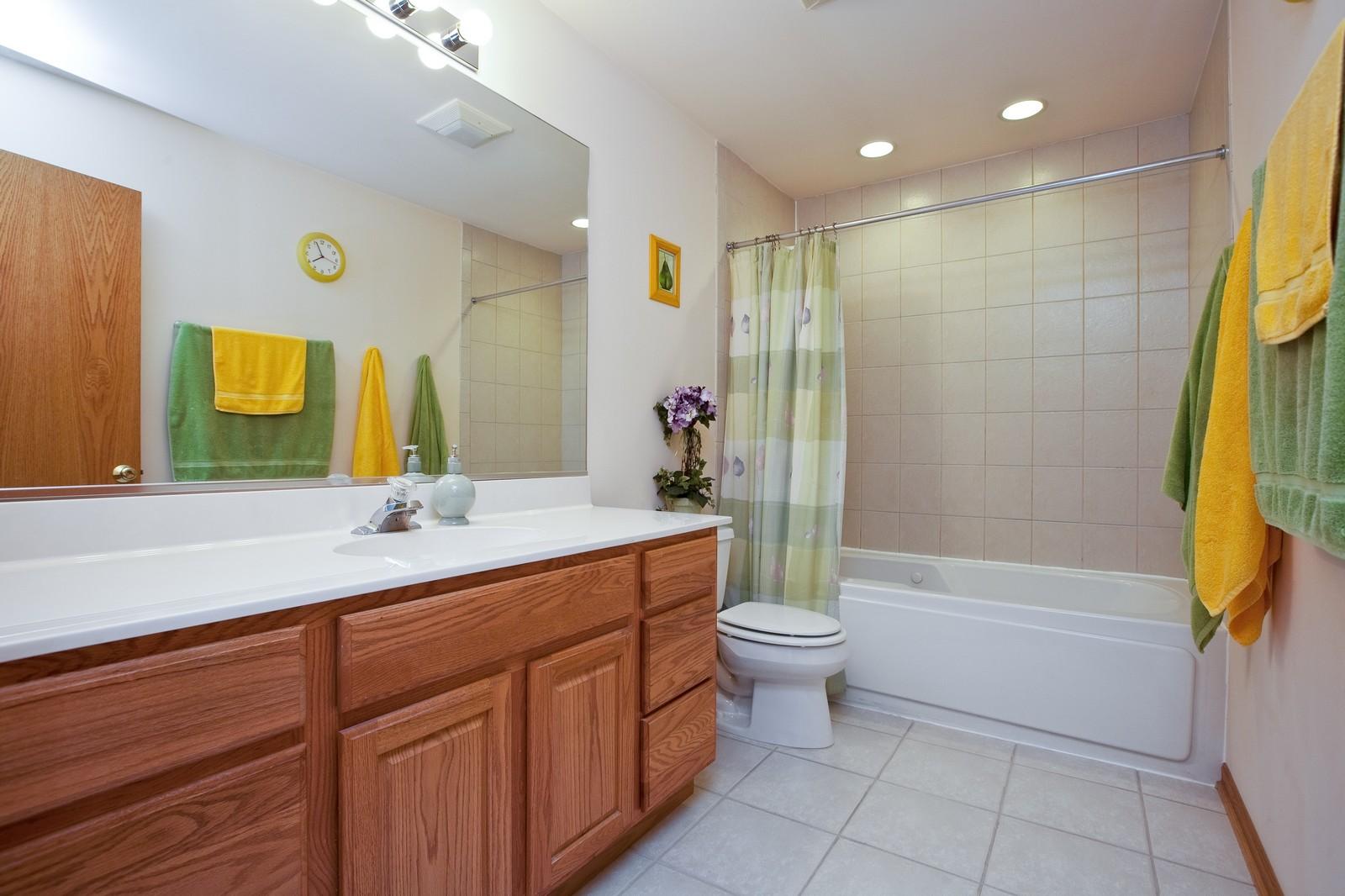 Real Estate Photography - 6617 Natasha Ct, Countryside, IL, 60525 - Master Bathroom