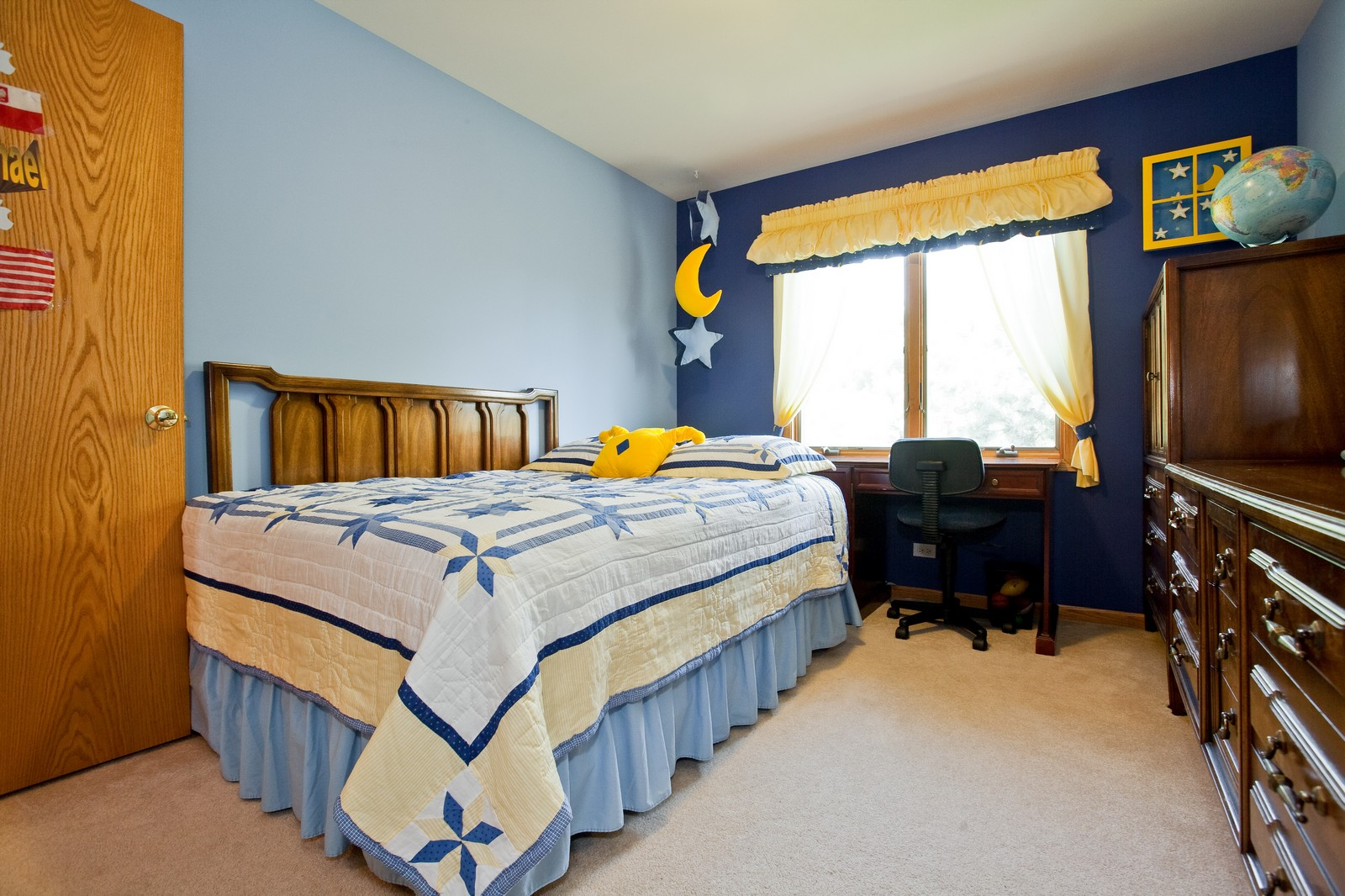 Real Estate Photography - 6617 Natasha Ct, Countryside, IL, 60525 - 3rd Bedroom