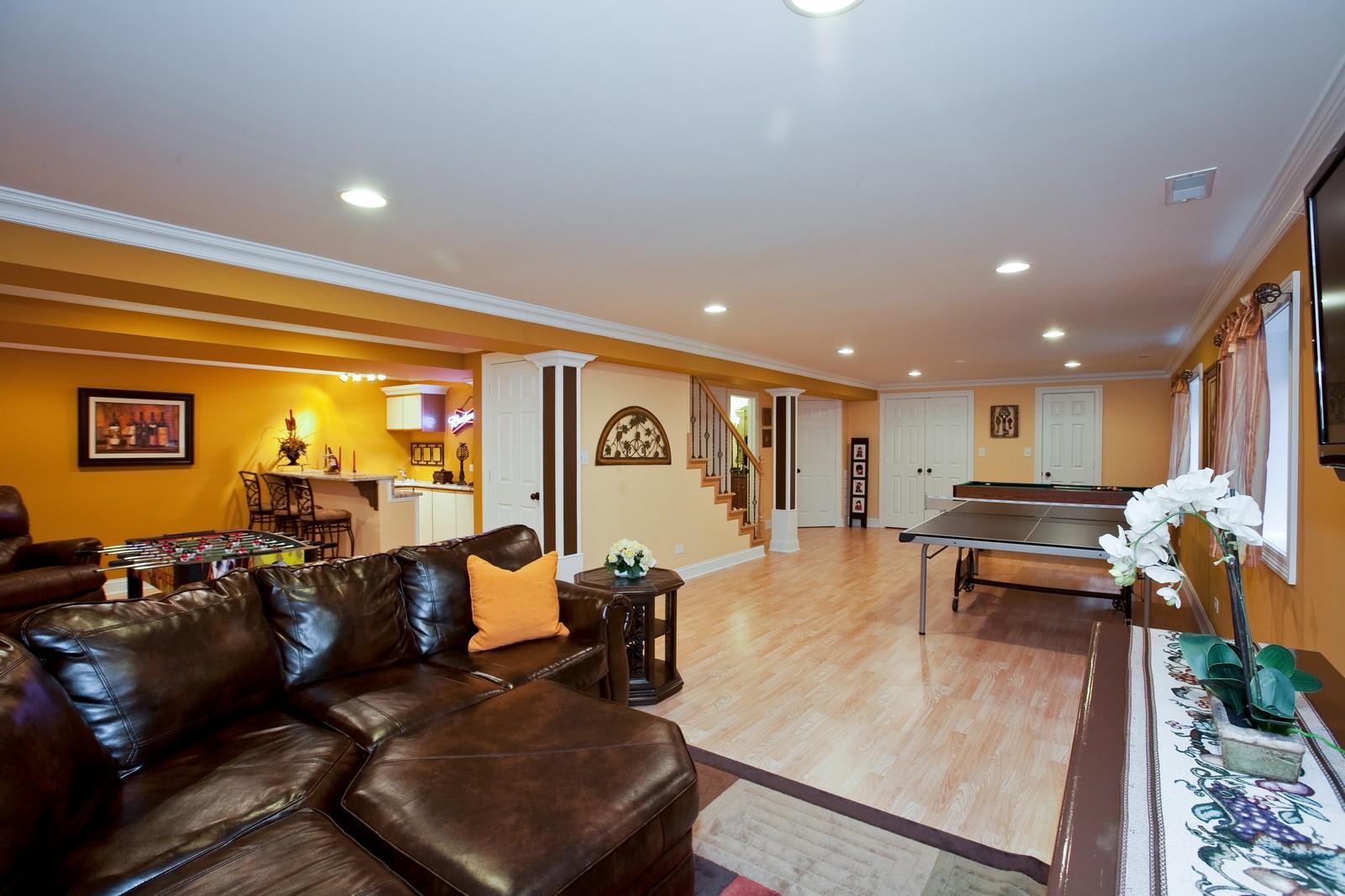 Real Estate Photography - 6617 Natasha Ct, Countryside, IL, 60525 - Recreational Room