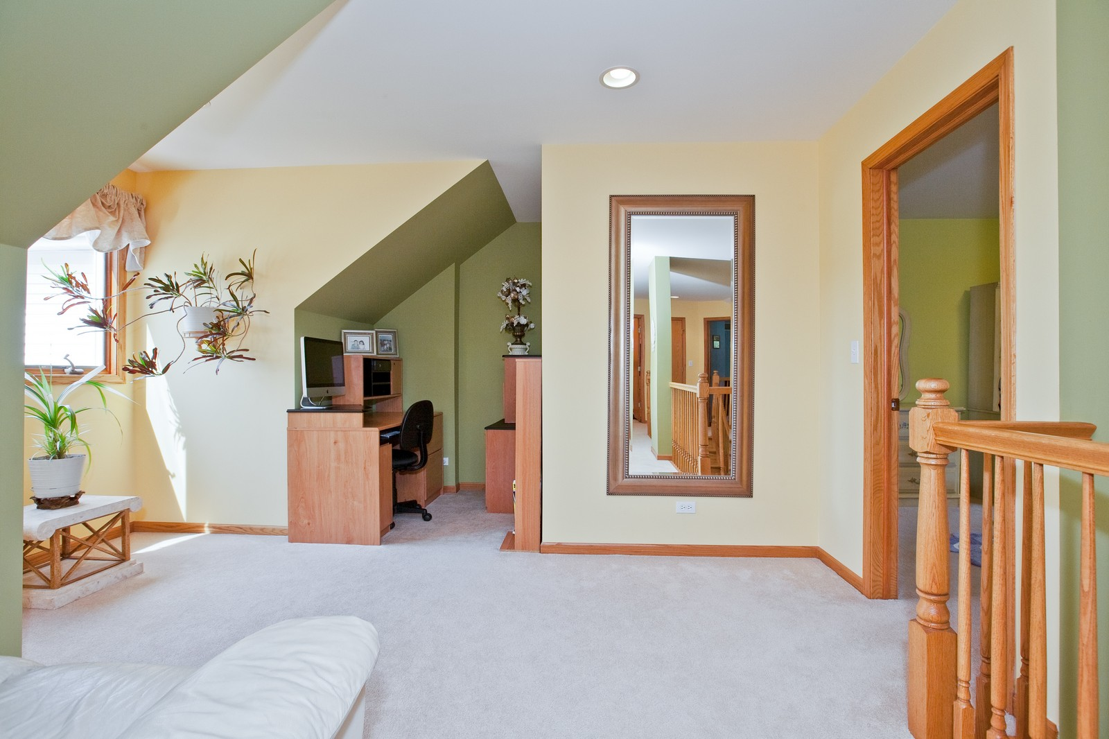 Real Estate Photography - 6617 Natasha Ct, Countryside, IL, 60525 - Loft