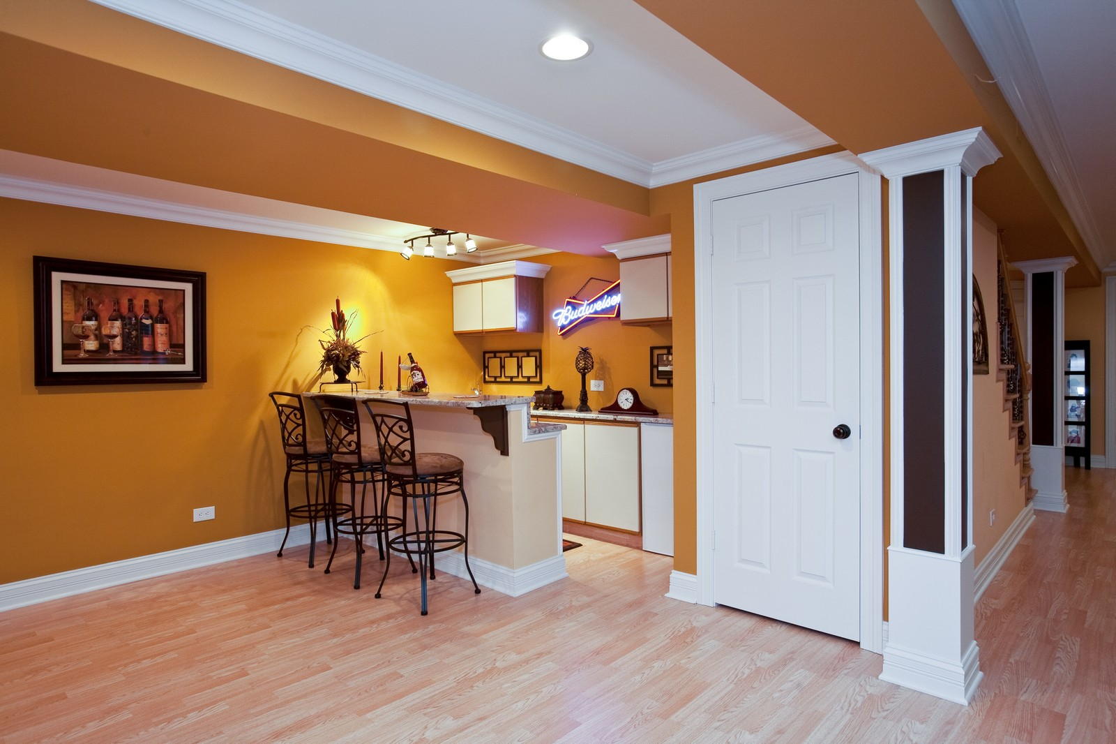 Real Estate Photography - 6617 Natasha Ct, Countryside, IL, 60525 - Bar