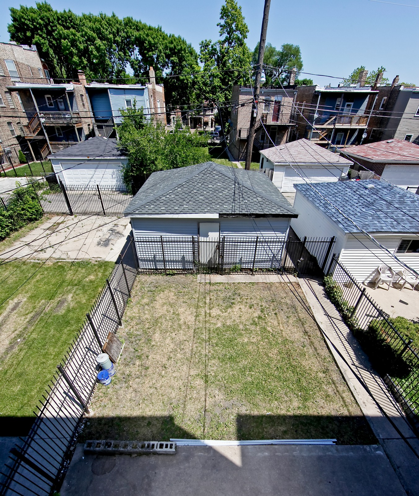 Real Estate Photography - 3332 W Polk St, Chicago, IL, 60624 - Back Yard