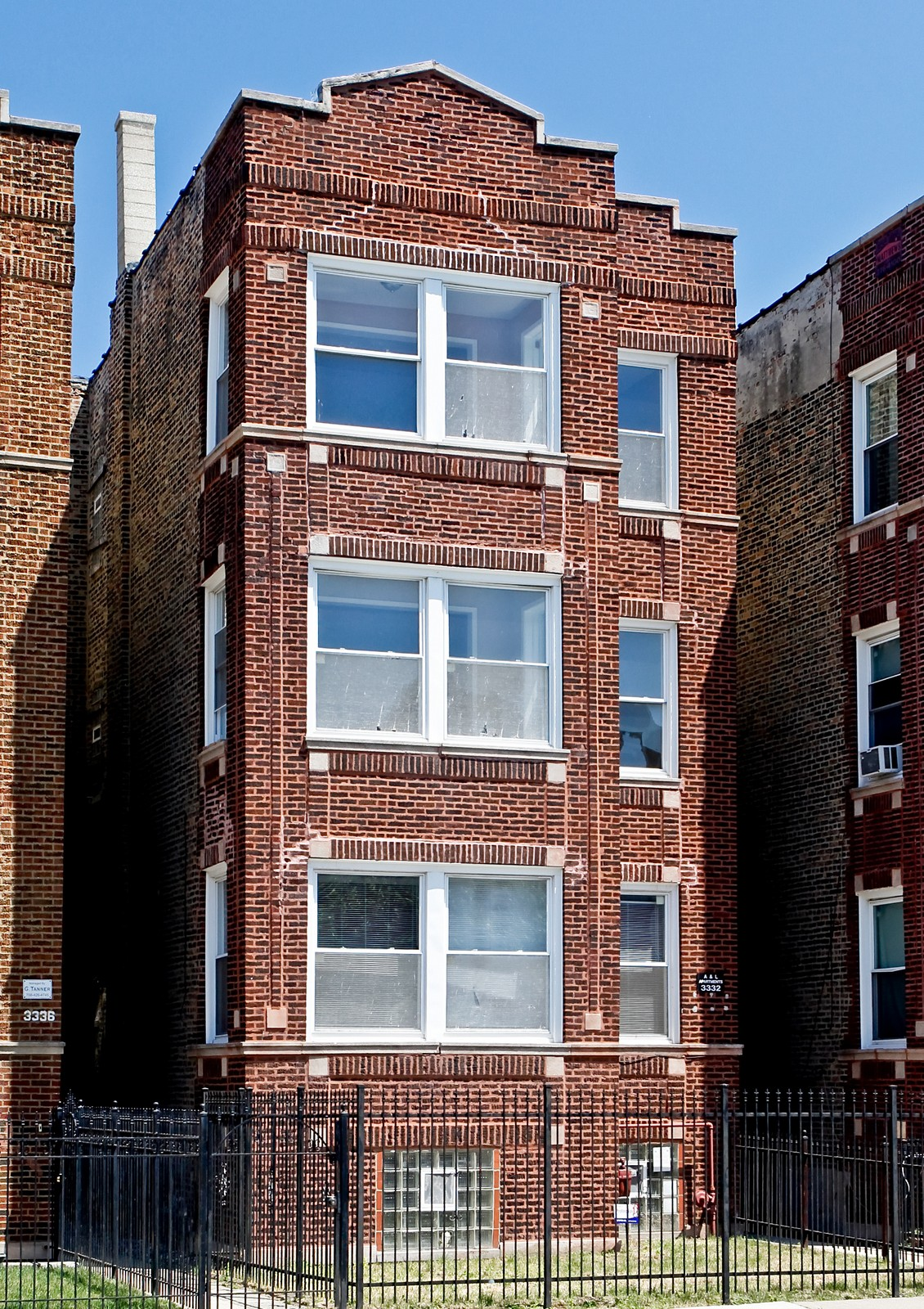 Real Estate Photography - 3332 W Polk St, Chicago, IL, 60624 - Front View
