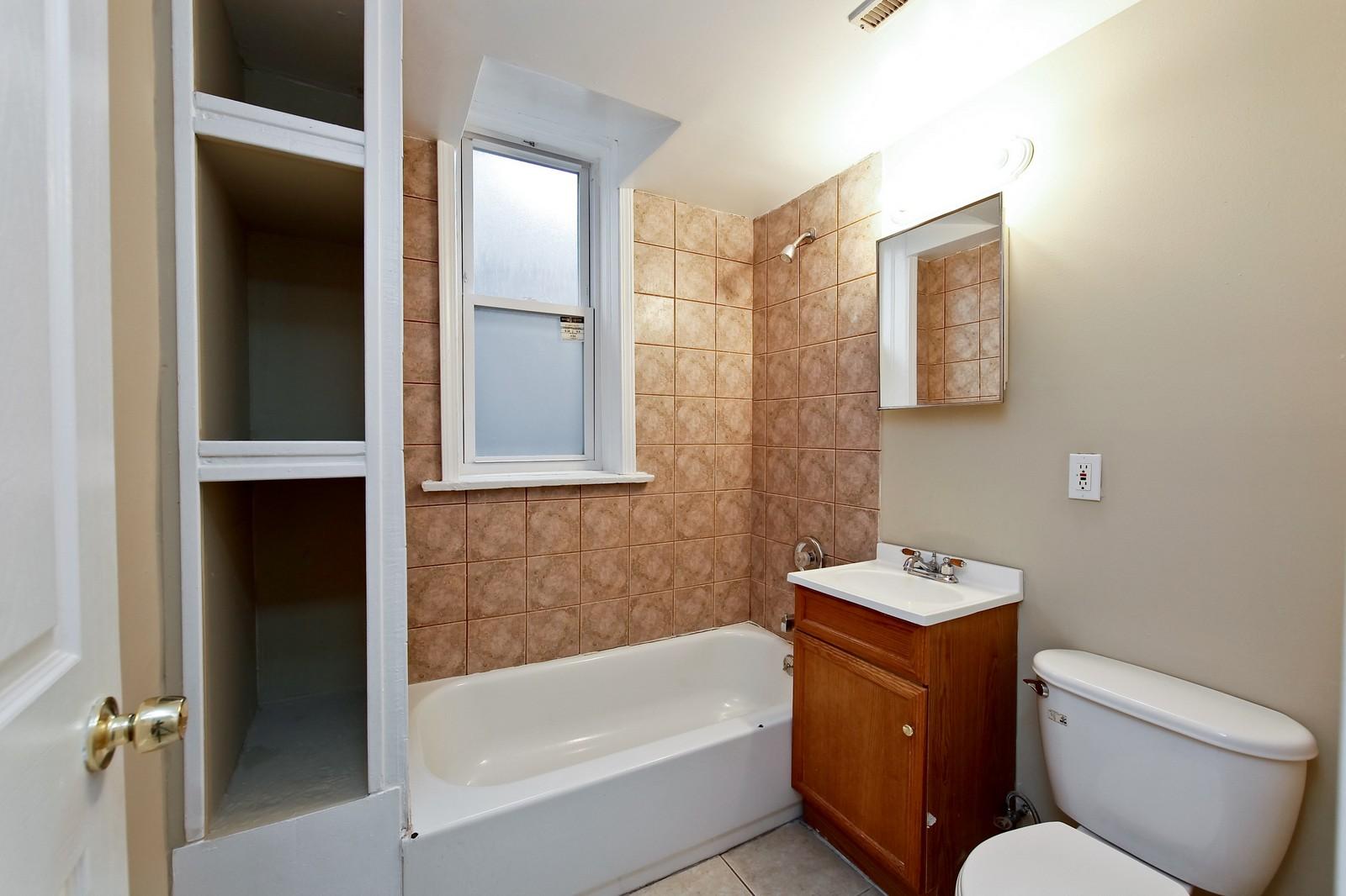 Real Estate Photography - 3332 W Polk St, Chicago, IL, 60624 - Bathroom