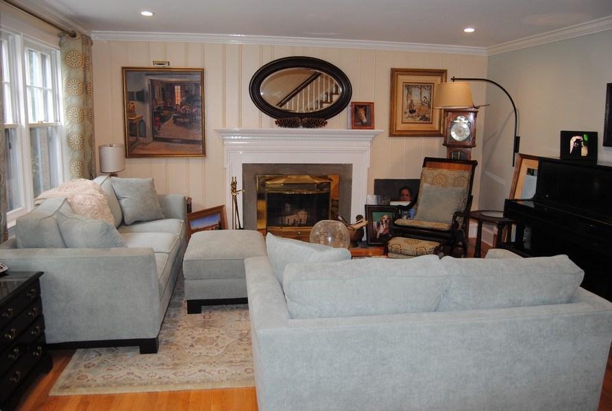 Real Estate Photography - 111 Banbury Way, Wayne, PA, 19087 - Living Room